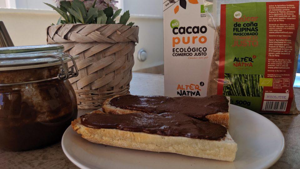 crema de cacao puro y avellanas